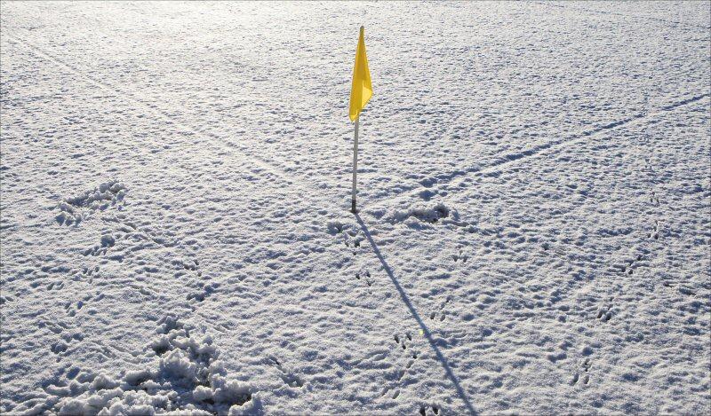 Voetbal-sneeuw-afgelast